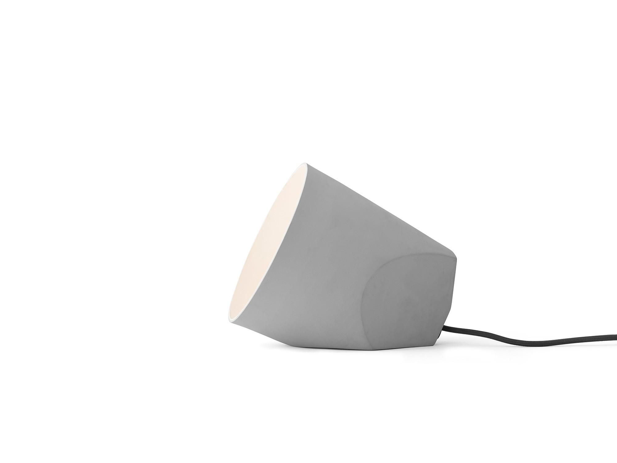 Menu On The Edge Lamp Light Grey Tischleuchte