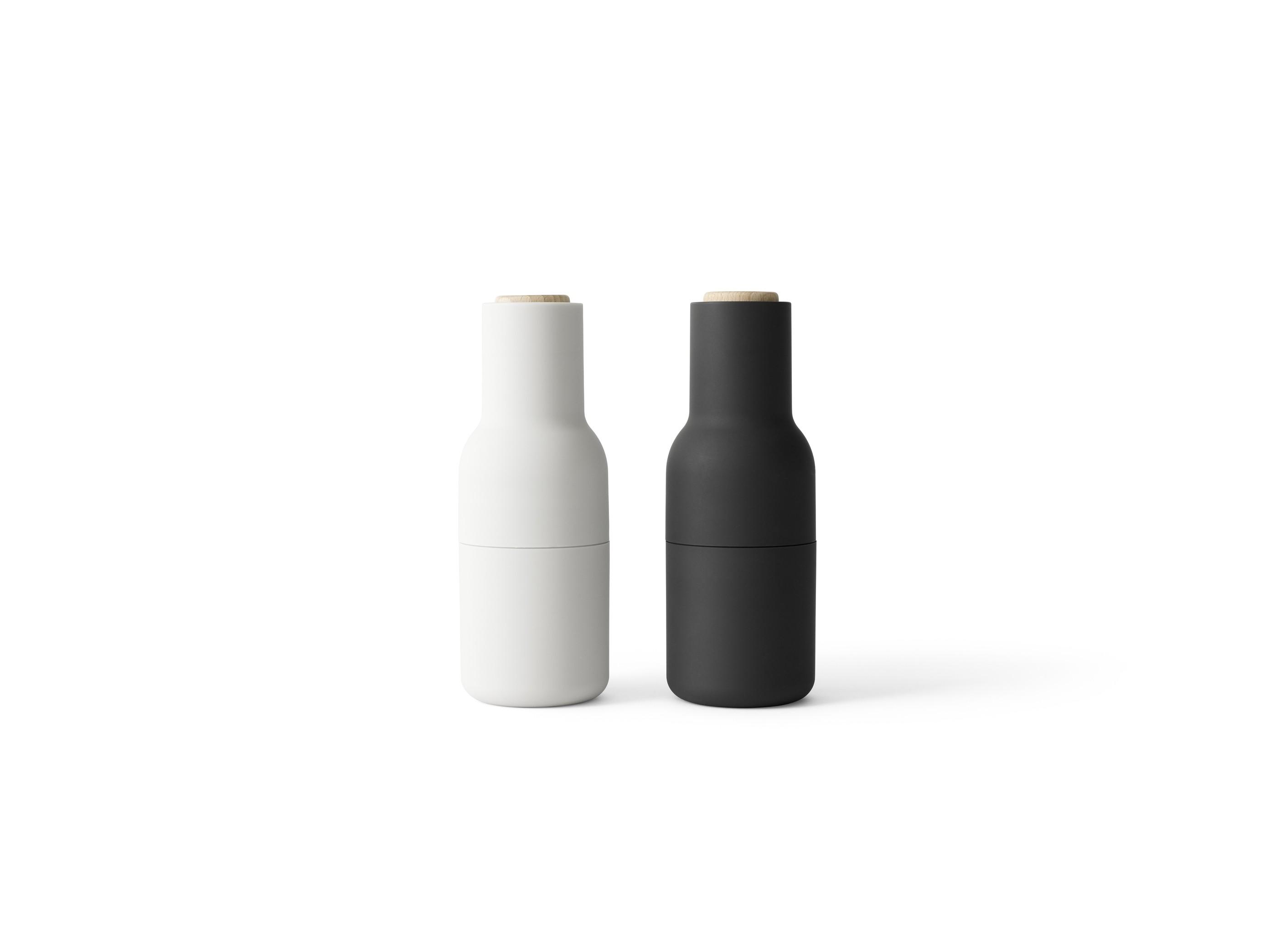 Menu Bottle Grinder Ash Carbon mit Holzrad 2er SET Salz- und Pfeffermühle