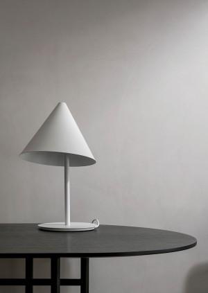 Menu Conic Table Lamp White Tischleuchte