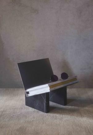 Menu Monuments Magazine Holder Zeitschriftenständer Black/Bronzed