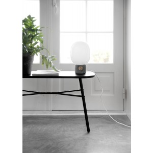 Menu JWDA Concrete Lamp Light Grey Brass Tischleuchte