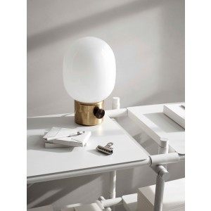 Menu JWDA Metallic Lamp Mirror Polished Brass Tischleuchte