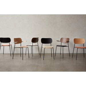 Menu Co Chair Dining Chair Black Steel Base Natural Oak Seat and Back mit Lehne Esszimmerstuhl